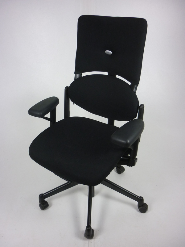 Black Steelcase V1 Please task chairs