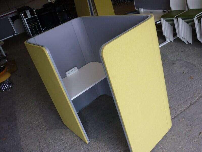 OCEE Den.Cube work pods