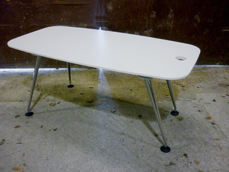 White 1600x800mm Vitra MedaMorph tables