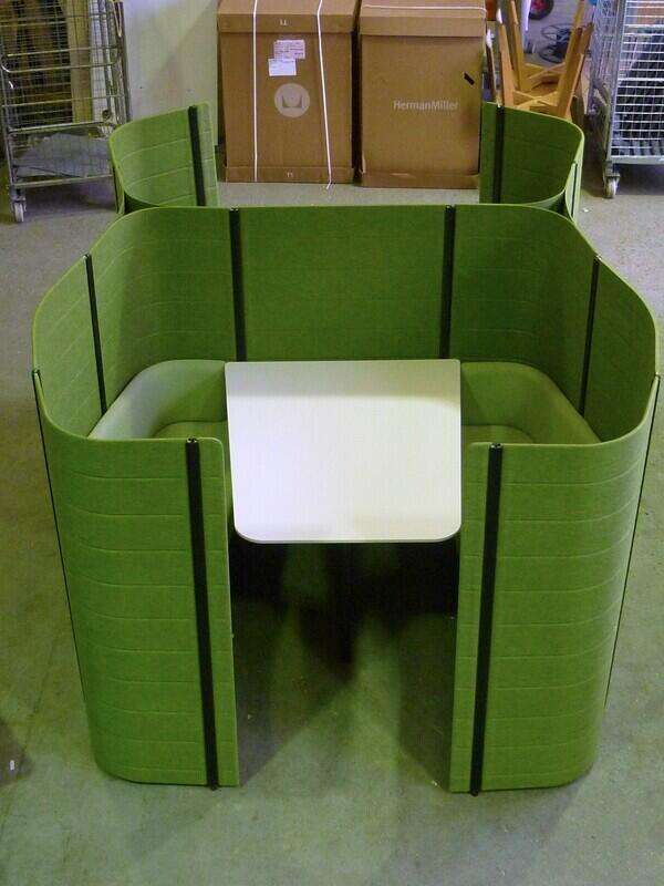 Green double Vitra Workbay