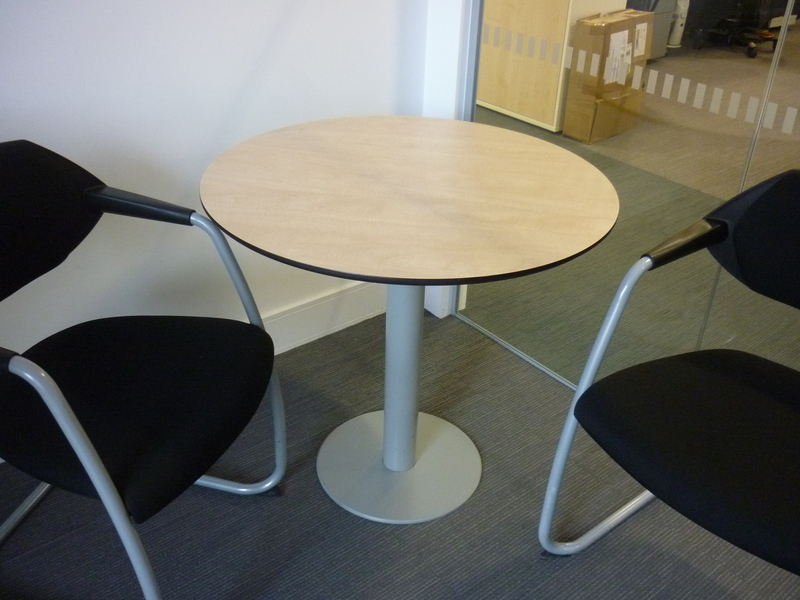800mm diameter Techo maple table