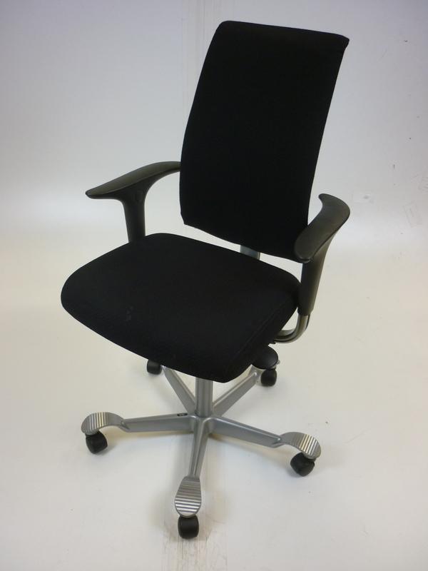 Black fabric back Hag H05 task chair