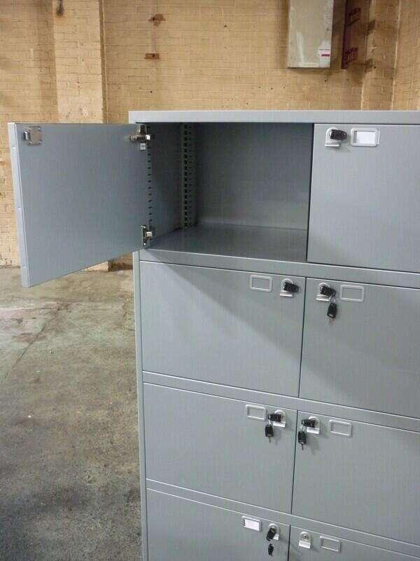 Silver metal 8 door lockers