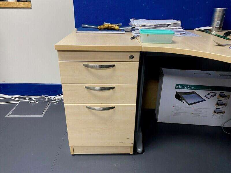 Maple corner desk, desk high pedestal & Screen