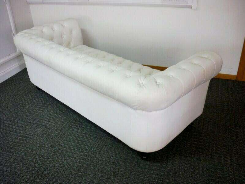 White vinyl 3 seater Chesterfield style sofa