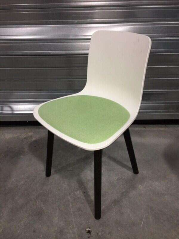 Vitra Hal Wood in blue/lime green