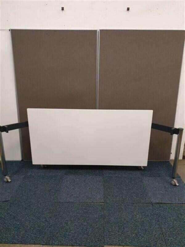White folding table