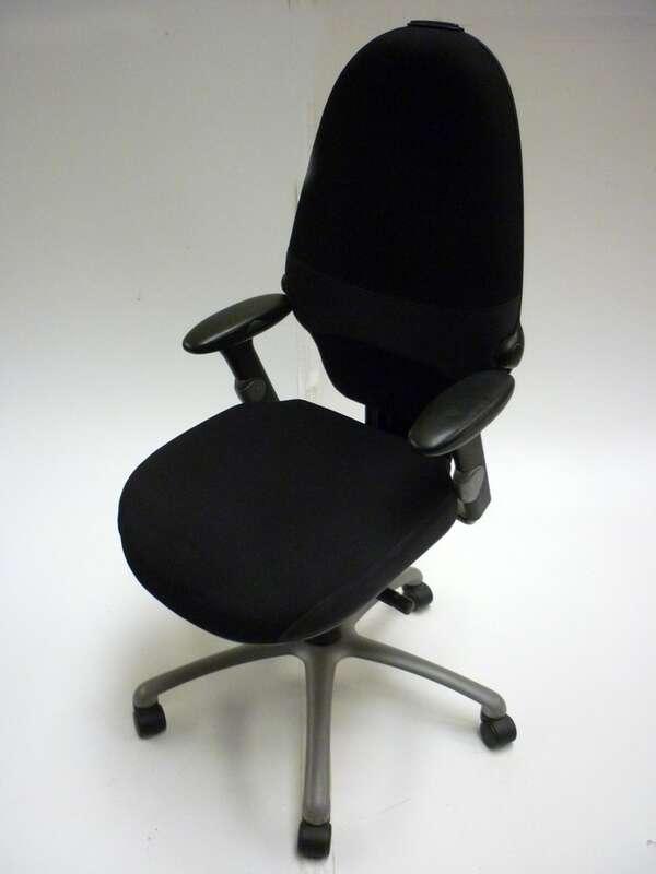 Black RH Logic 100 Extend task chair