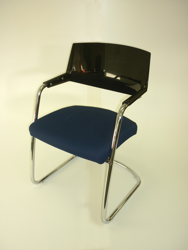 Blue cantilever frame meeting chairs   (CE)