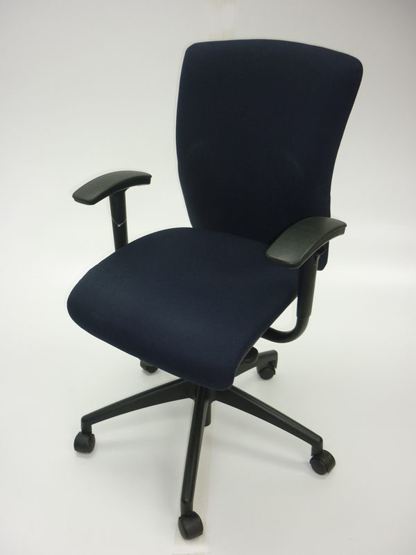 Dark blue Orangebox GO chairs (CE)