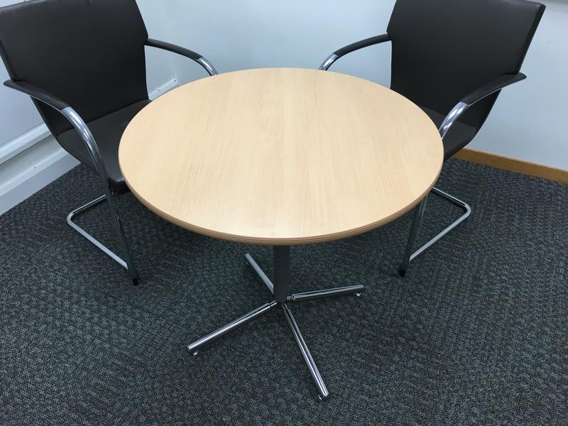 800mm diameter beech circular table (CE)