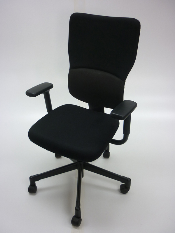 Steelcase Let039s B black task chair