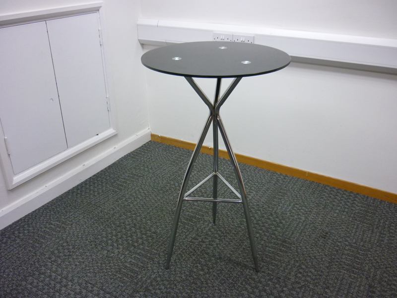 600mm diameter Black glass & chrome poseur table