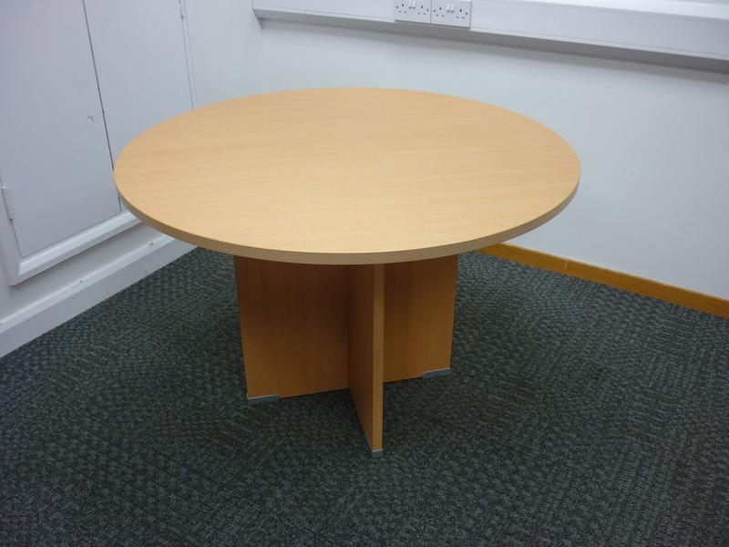 1100mm diameter Buronomic beech circular table
