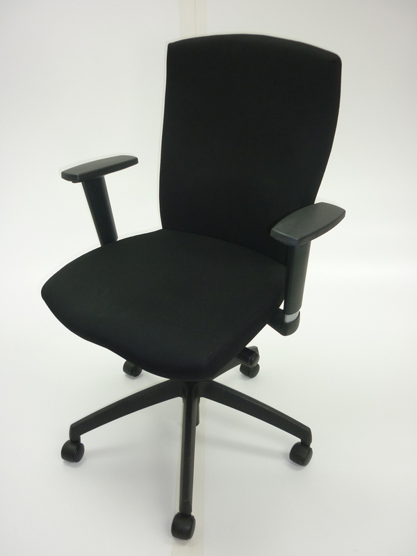 Black Connection Function task chair with arms (CE)