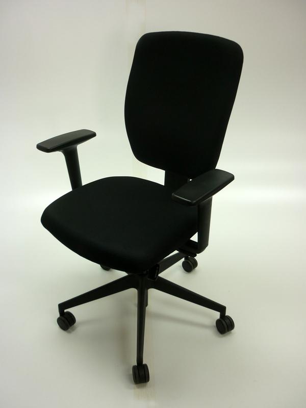 Black Senator Dash task chair with arms
