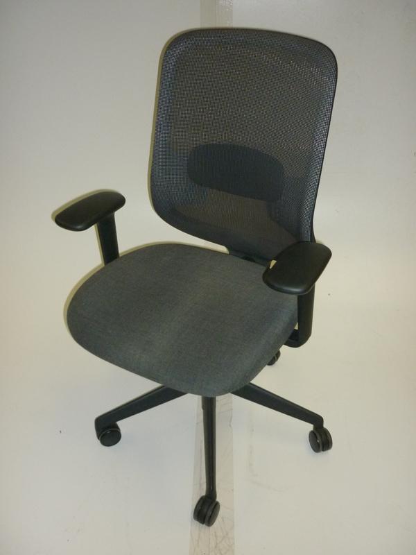 DO task chair