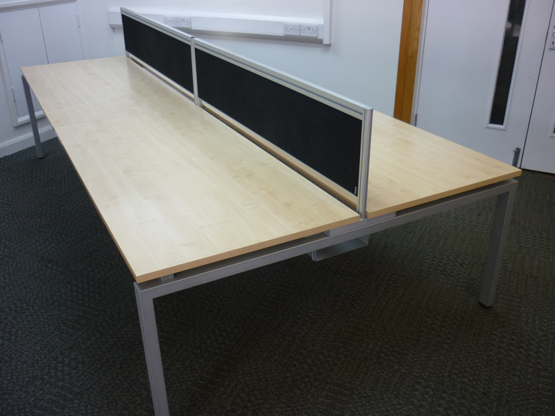 1600w x 800d mm Verco Oblique Visual bench desking