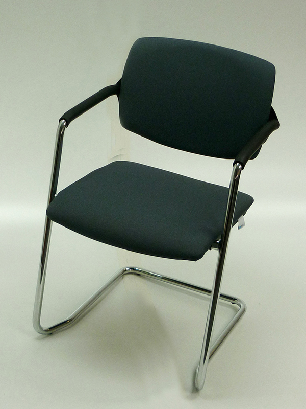 Light grey Rapid meeting chair