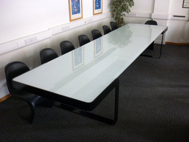 Custom made glass 4500mm table