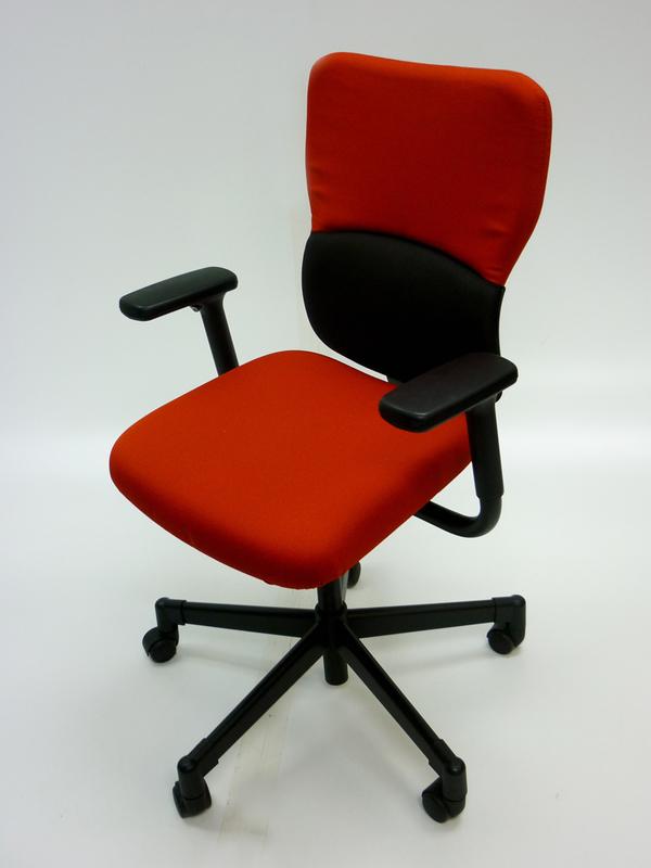 Redblack Steelcase Lets B task chair