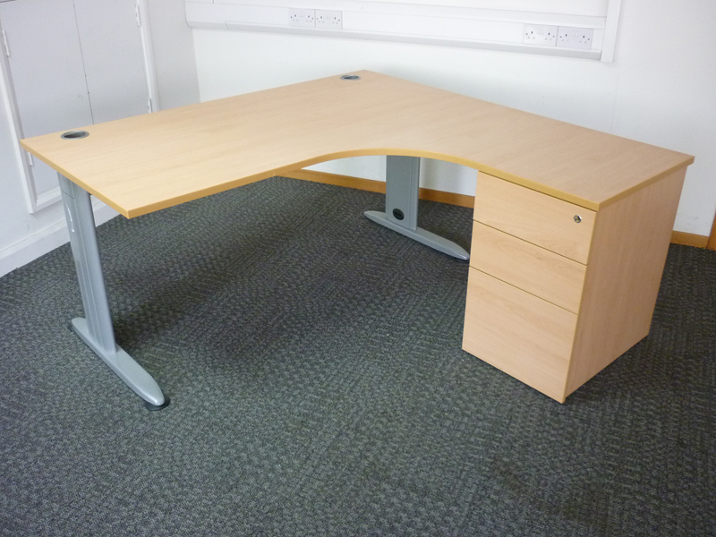 Beech Claremont 1800mm x 1600mm radial desks