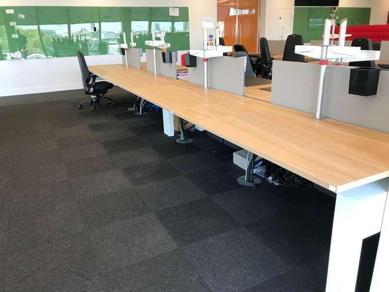 Knoll Plateau 1600x800mm oak bench desks