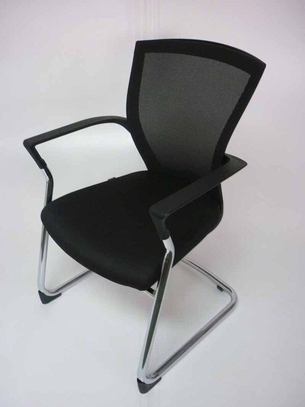 Besthul Radius black mesh back meeting chairs