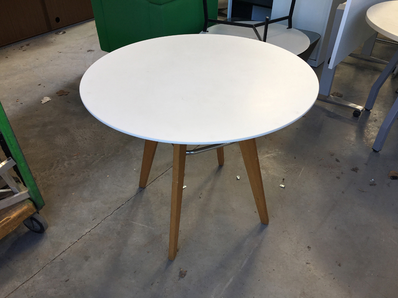 900mm diameter Frovi wood leg tables