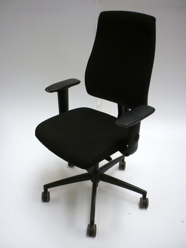 Interstuhl Goal black task chair