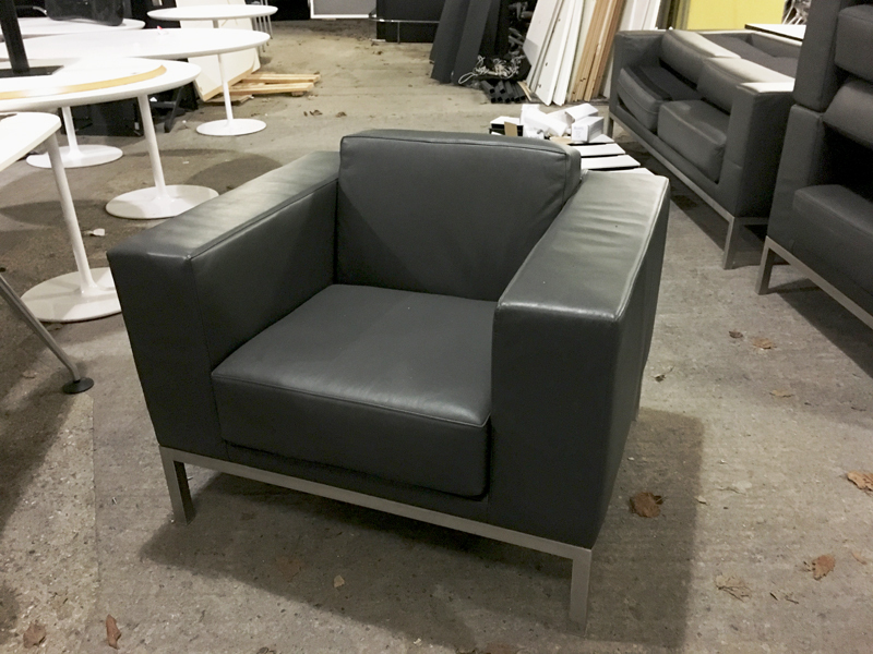 Graphite leather Hitch Mylius hm25 armchairs