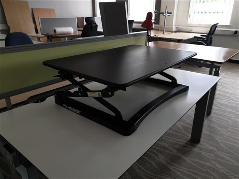 YoYo Desk Classic 90 Sit Stand Adjustable Rise Desk