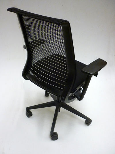Steelcase Think black fabric mesh back task chairs (CE)