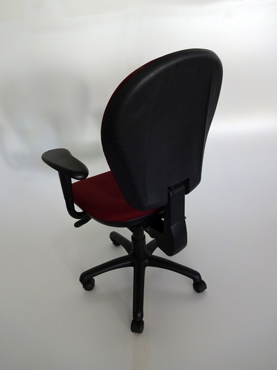 Red Torasen task chair with arms