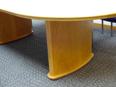 2400 x 1200mm Aerofoil boardroom table