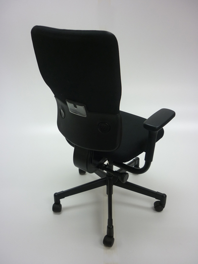 Steelcase Let's B black task chair