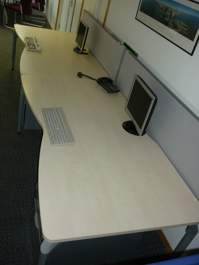 Steelcase maple 1800w x 1000/900d mm double wave desks