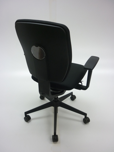 Black Senator Dash task chair with arms (CE)