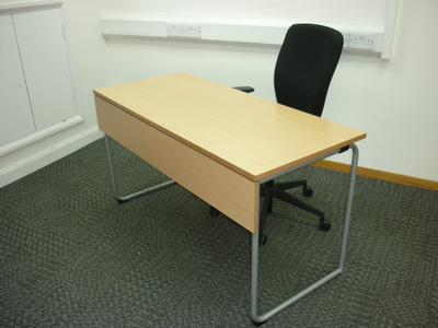 1350 x 600mm Idre folding table/desk