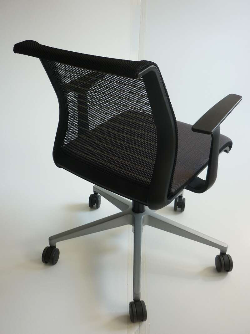 Steelcase Think brown/black meeting chairs