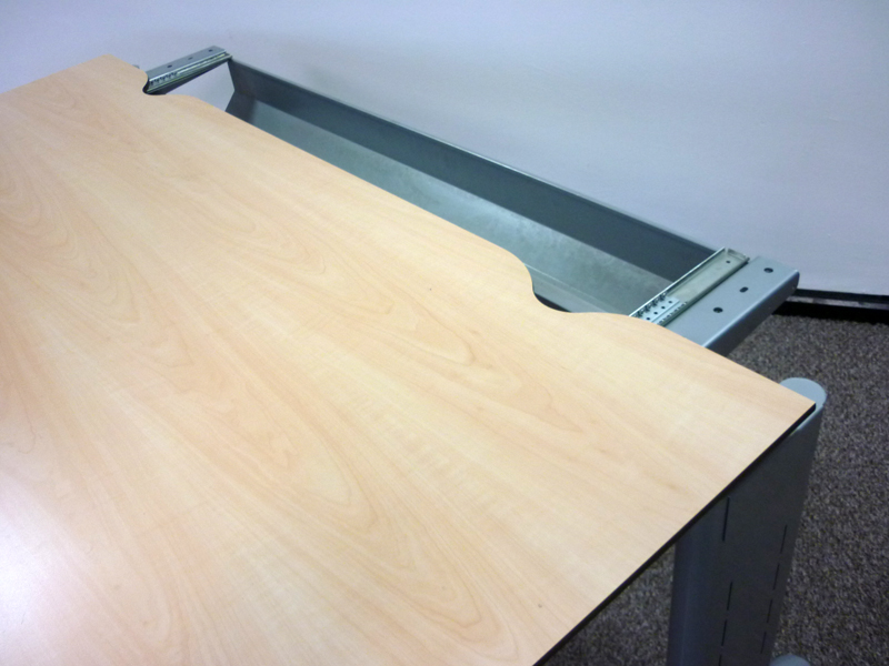 Task maple trespa 1600w x 800d mm desks CE