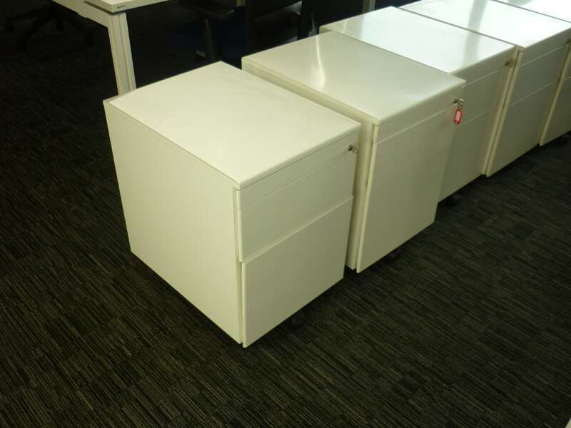 1800w x 800d mm Haworth Tibas white top bench desks