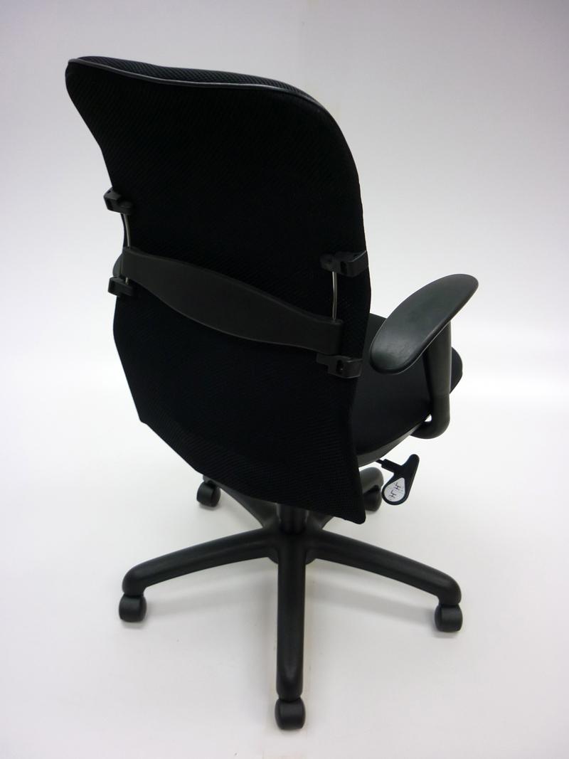 Black mesh back task chair