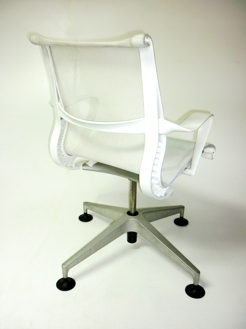 Herman Miller Setu Studio White Edition
