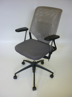 Vitra Meda 2XL mesh back task chair