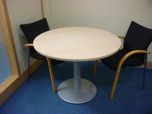 1000mm dia circular maple meeting table