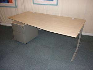 Techo 1800mm maple wave desk