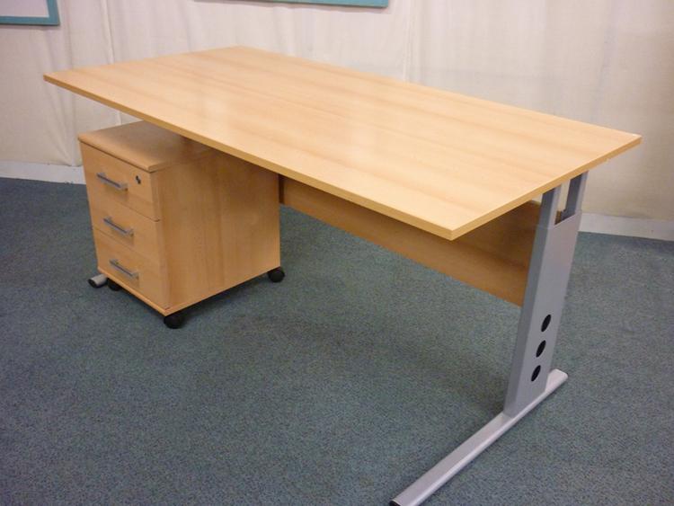 Beech 1600 x800mm rectangular desk