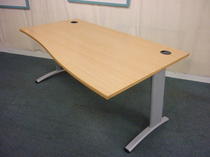 1600mm Verco Visual beech wave desk