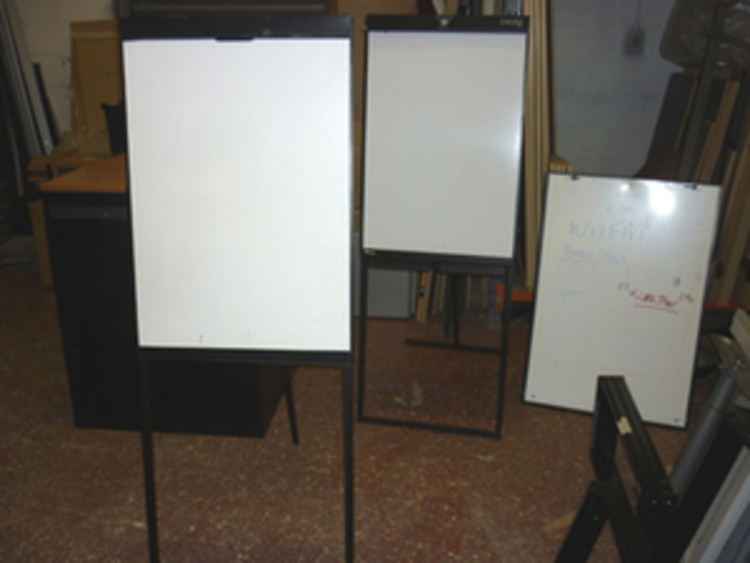 Assorted flipchart easels, from